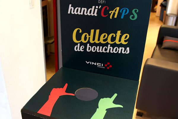 acor-agence-communication-audiovisuel-nimes-montpellier-gard-herault-languedoc-roussillon-affiche-handi-caps-handicapes-fauteuil-roulant-collecte-boucho (2)